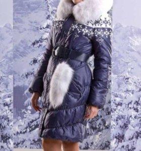 Зимнее женское пальто TAFIKA с натуральны мехом.