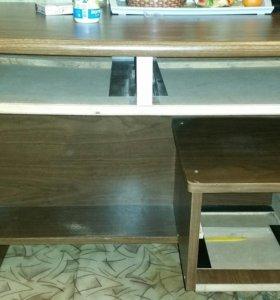 Стол с 4 ящиками