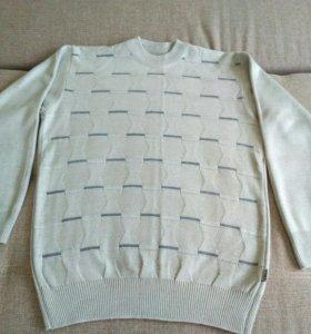 Два свитера мужских