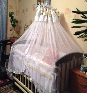 Детская кроватка,полный комплект.