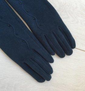 Перчатки длинные, две пары