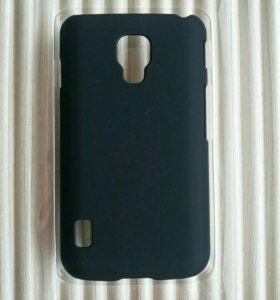 Чехол на LG P715