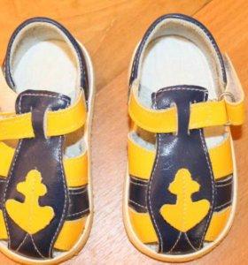 Новые сандалии р 20