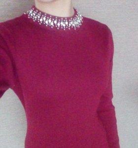 Платье бордовое.Теплое и очень красивое.