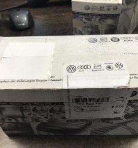 Колодки тормозные задние VW 7P0698451