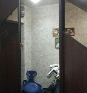 Продам трехкомнатную квартиру  улучш.  планировки