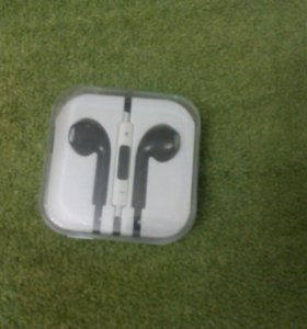 iPhone наушники(новые)