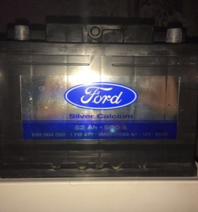 Аккумулятор новый оригинал на Ford Focus