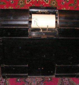Пианола - механическая приставка к пианино.
