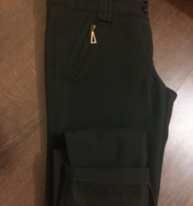 Тёплые чёрные брюки (зауженные)