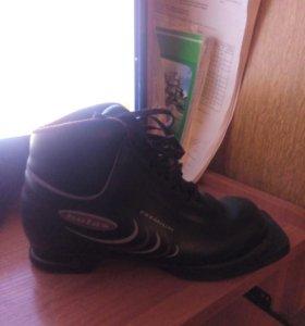 Ботинки лыжные.37 размер.