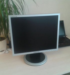 Монитор Samsung 17 дюймов