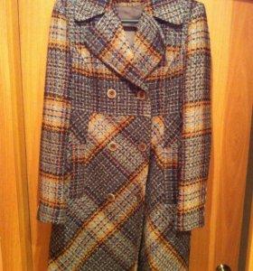 Пальто женское размер 42