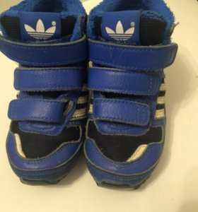 Кроссовки демисезонные adidas