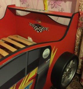 Детская кровать (машинка)