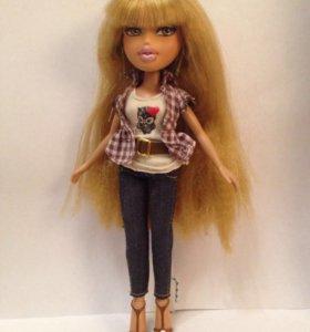Кукла Bratz.