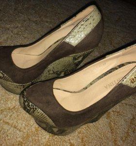 Туфли на танкетки