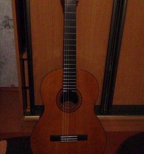 Гитара Yamaha C40 +чехол +подставка под ногу