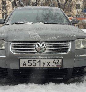 Volkswagen Passat 1.8AT, 2003 седан