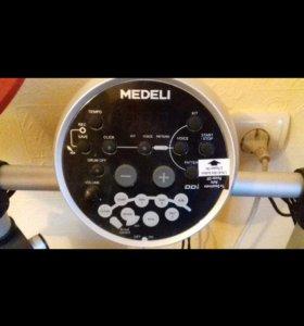 Электронная ударная установка фирмы Medeli.