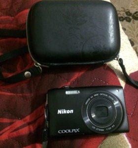 Продам фотоаппарат + чехол + флешка 4GB