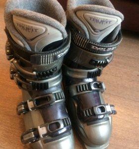 Крутые горнолыжные  Итальянские ботинки Dalbello