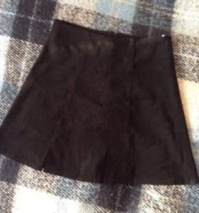 Черная замшевая мини-юбка р-р 42-44