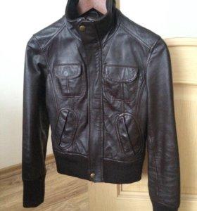Кожаная куртка Mango, р-р 42