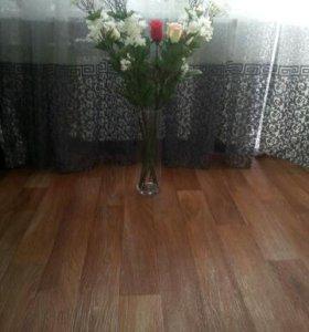Композиционная ваза с цветами