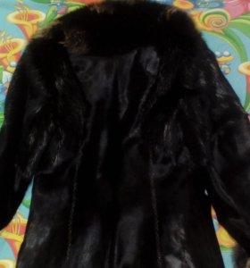 Дубленка, меховое пальто- теленок, нутрия.