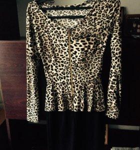 Леопардовое платье с баской