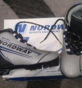 Лыжные ботинки размер 33