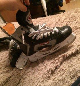 Хоккейные коньки Easton se16. Размер 44,5