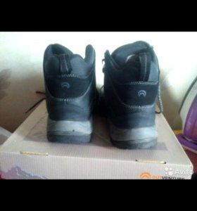 Ботинки на подростка 26 см