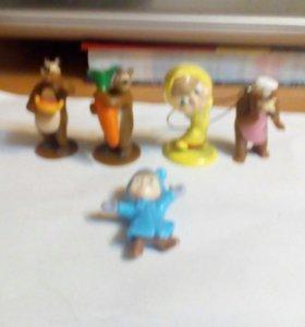 Фигурки из мультфильма Маша и Медведь