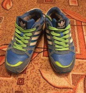 Адидас тёплые кроссовки