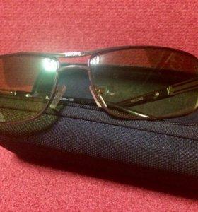 Новые очки для водителей 'антифары'.