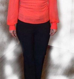 Блуза ярко-розового цвета