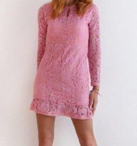 Новое кружевное платье в нежно- розовом цвете