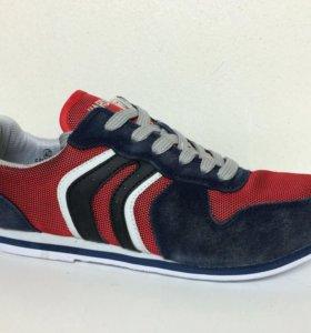 Новые кроссовки Hardwood красные