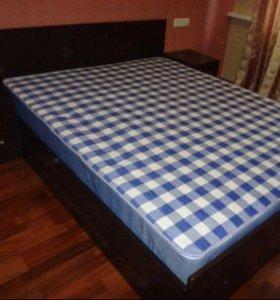Кровать с матрасом 160см