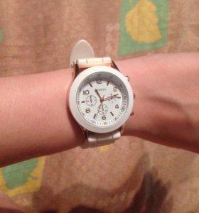 Наручные часы GENEVA