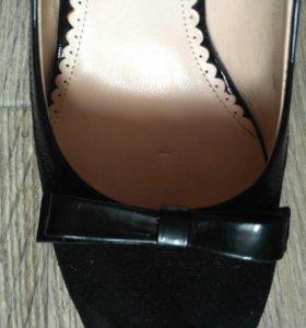 Черные туфли ALBA, велюровые с каблуком и бантиком