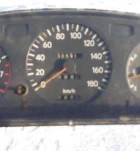 Щиток приборов с Тойоты Карона Т190