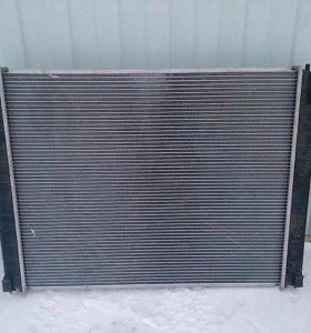 Радиатор Infiniti