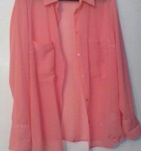 Блузка нежно кораллового цвета