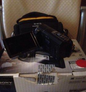 Цифровая видео камера с проекторам