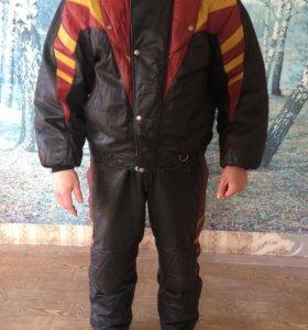 Зимний кожаный костюм для снегохода