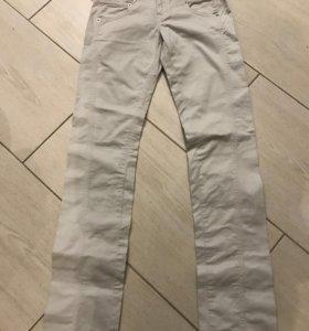 Новые джинсы Iceberg