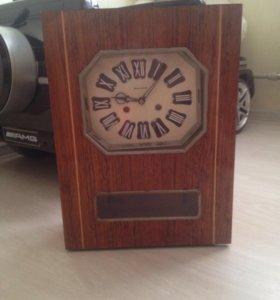 Продам часы Янтарь